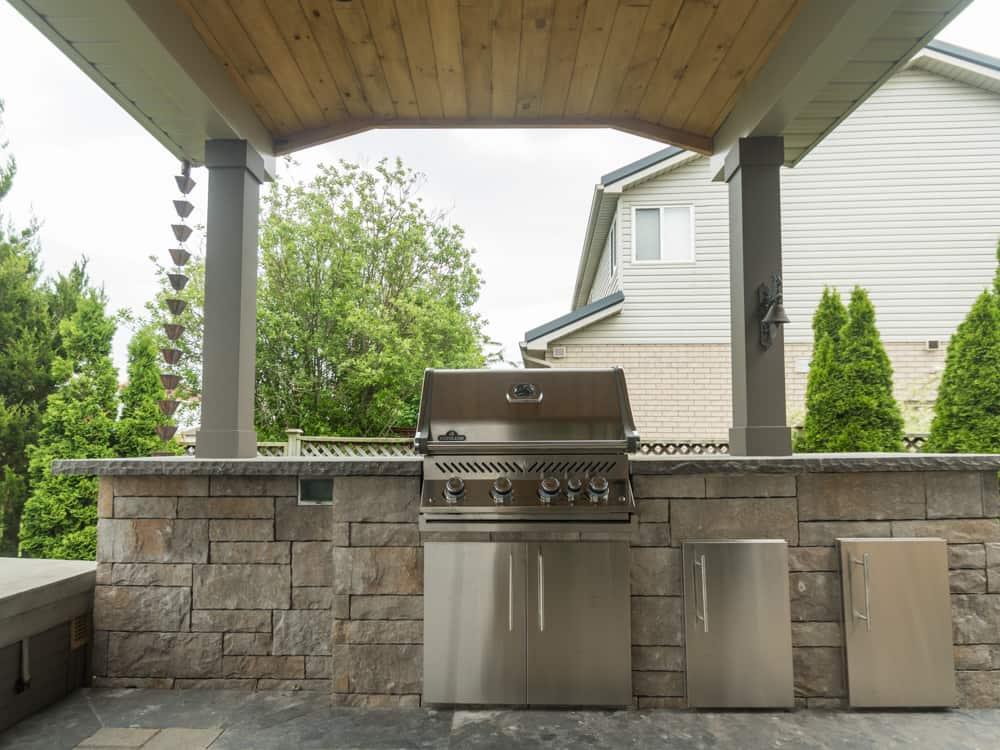 barbecue built into brick.