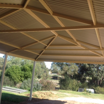 Hipped gable triple carport