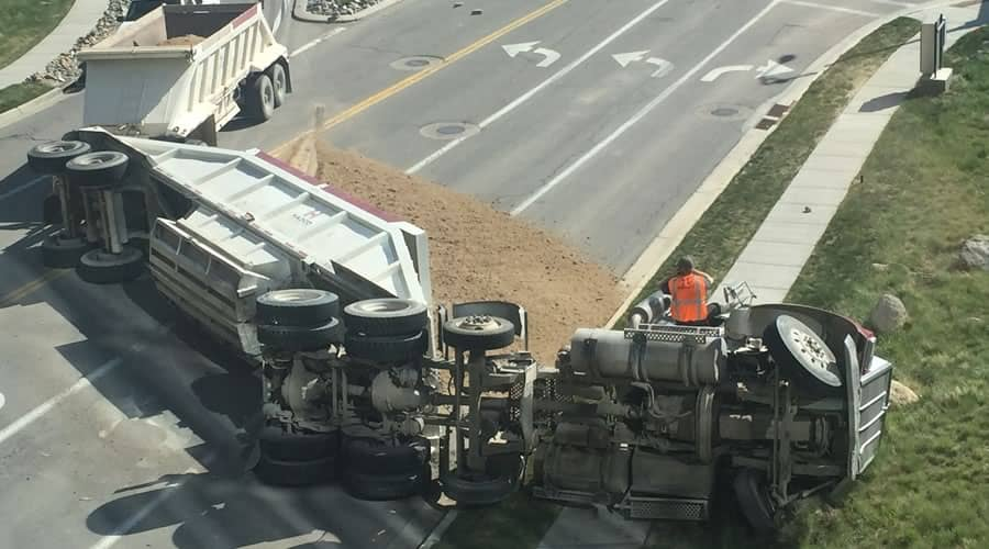tractor trailer accident injury lawyer