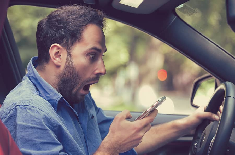 https://secureservercdn.net/198.71.233.47/5dc.63d.myftpupload.com/wp-content/uploads/2018/06/Distracted-Driver-Car-Accident-Lawyer.jpg?time=1586281331