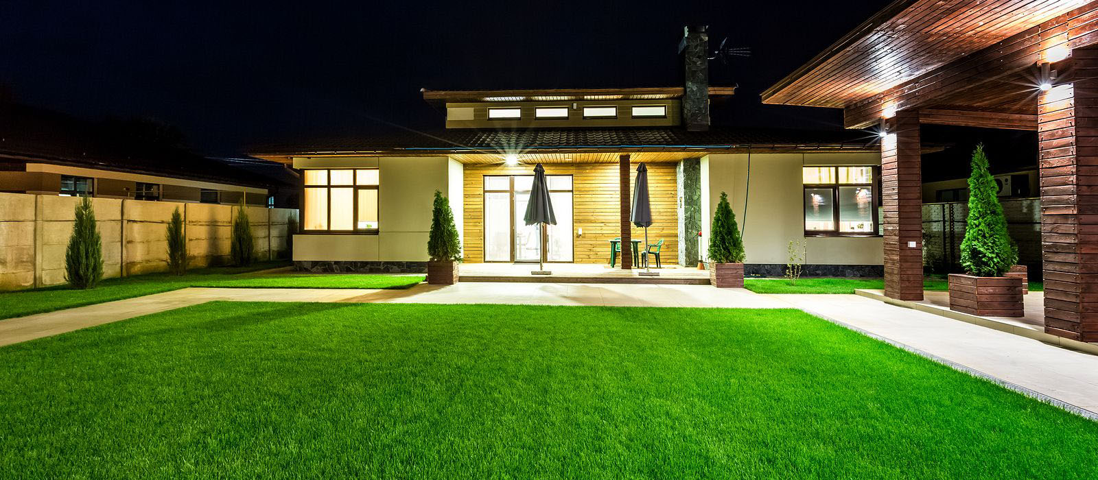 What Makes Artificial Turf So Compelling to Install in Homes