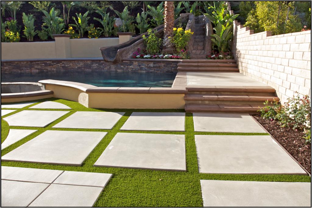 diy-landscape-artificial-turf-grass-1024x684