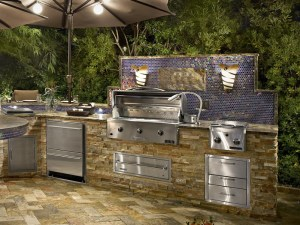 A photo of an outdoor kitchen.