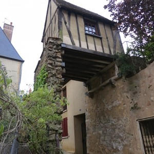 1.Le Mans Small House