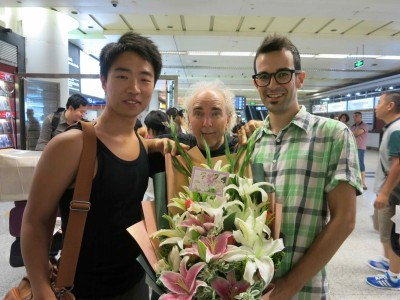 1. John Doan Welcomed at Xian Airport