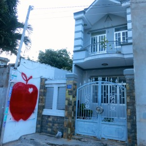 37. Tinh's House The Red Apple