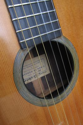 de-bonis-classical-guitar-soundhole
