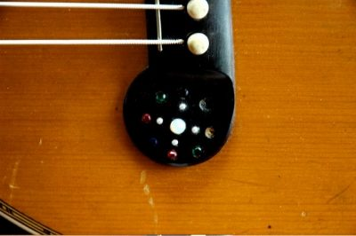dyer-harp-guitar-bridge