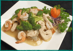 komol-thai-restaurant-lad-na