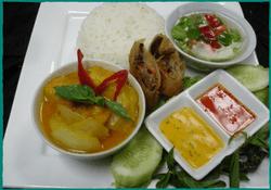 komol-thai-restaurant-lunch-special-indian-curry