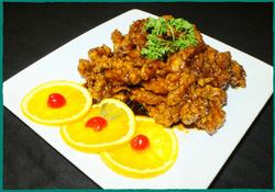 komol-thai-restaurant-orange-chicken