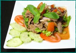 komol-thai-restaurant-thai-beef-salad
