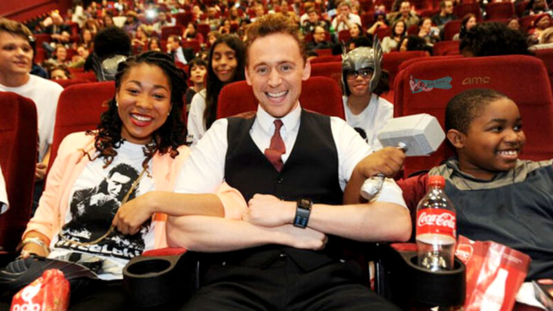 Tom Hiddleston Surprising His Fans