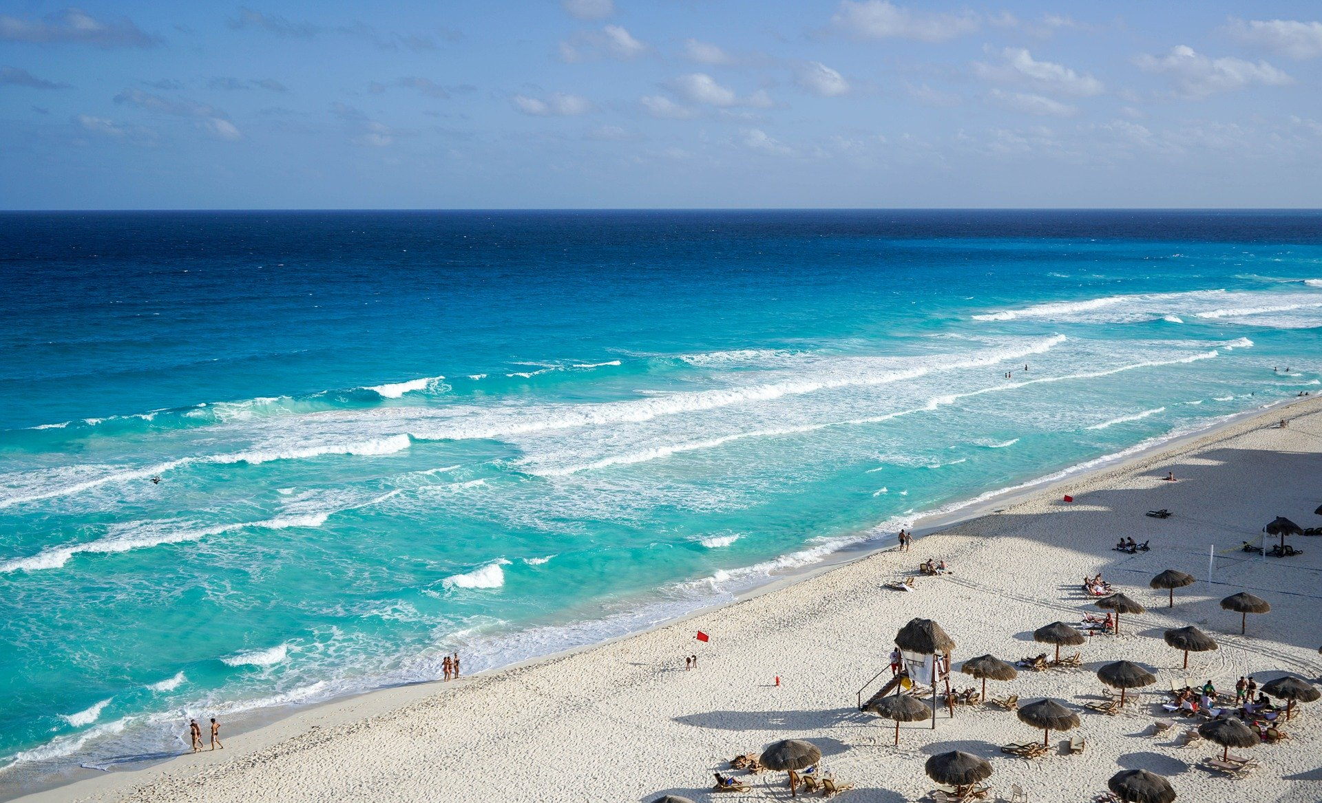 A beach in Cancun, Mexico | Vacation Surprise