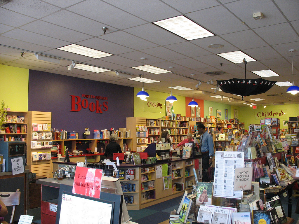 The inside of Porter Square Books in Cambridge, MA