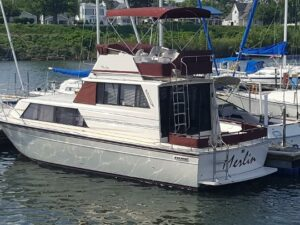 1990 Marinette 32 Sedan Flybridge   SOLD!