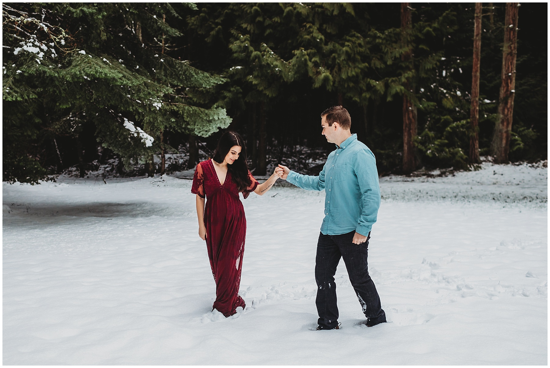 Snowy maternity session on whidbey island