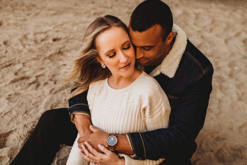 beach engagement photos on Oregon coast