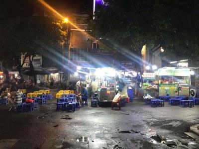 Hình minh hoạ. Một góc phố ăn đêm ở Đồng Xuân, Hà Nội