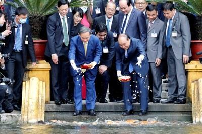 Thử tướng Nhật và Thủ tướng Việt Nam