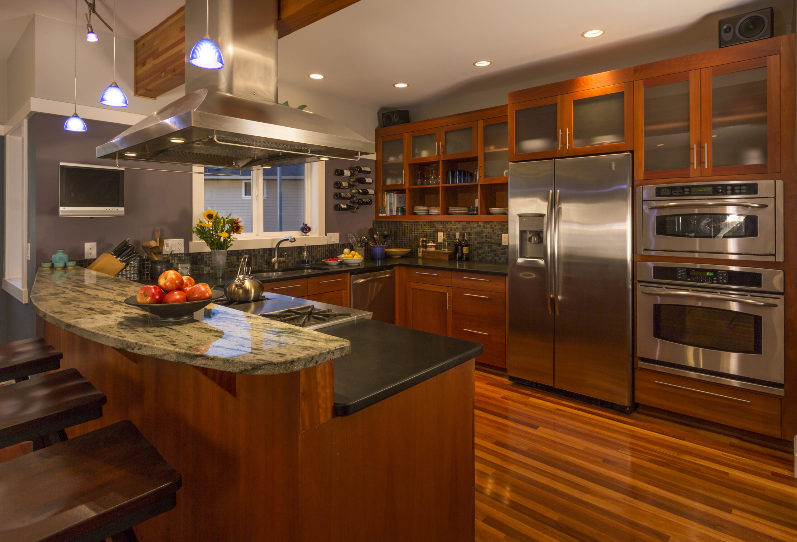 Custom Kitchen Cabinets to Suit Your