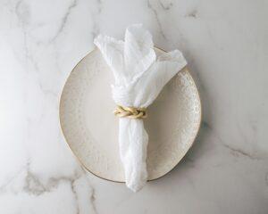 serviettes-tissus-reutilisables-Mel-Poole-Unsplash