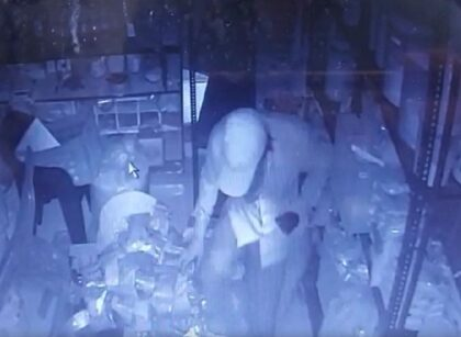 13shops looted in Mira Road