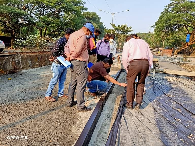 IIT Bombay inspects quality of the Concrete Road