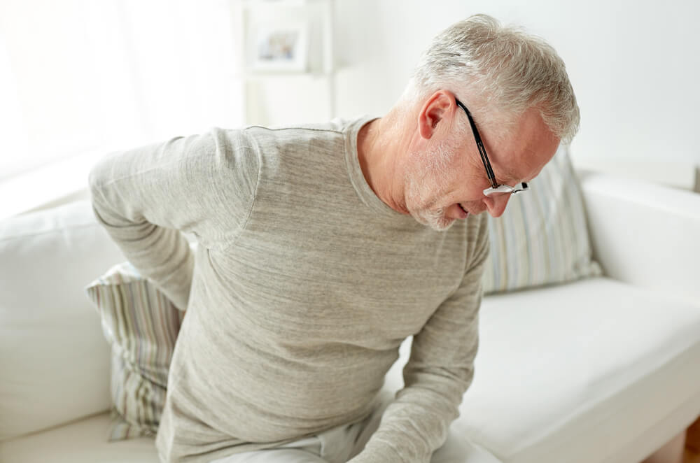 Chiropractor vs physical therapy: Where to go when you're in pain
