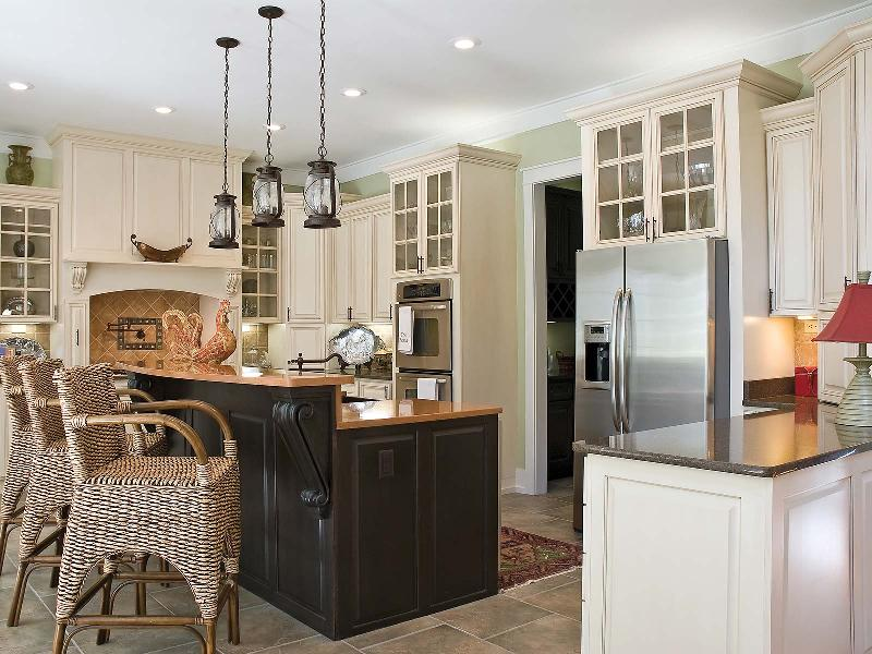 Bertch Cabinetry - St. Thomas Birch Eggshell - Gerome's Kitchen And Bath