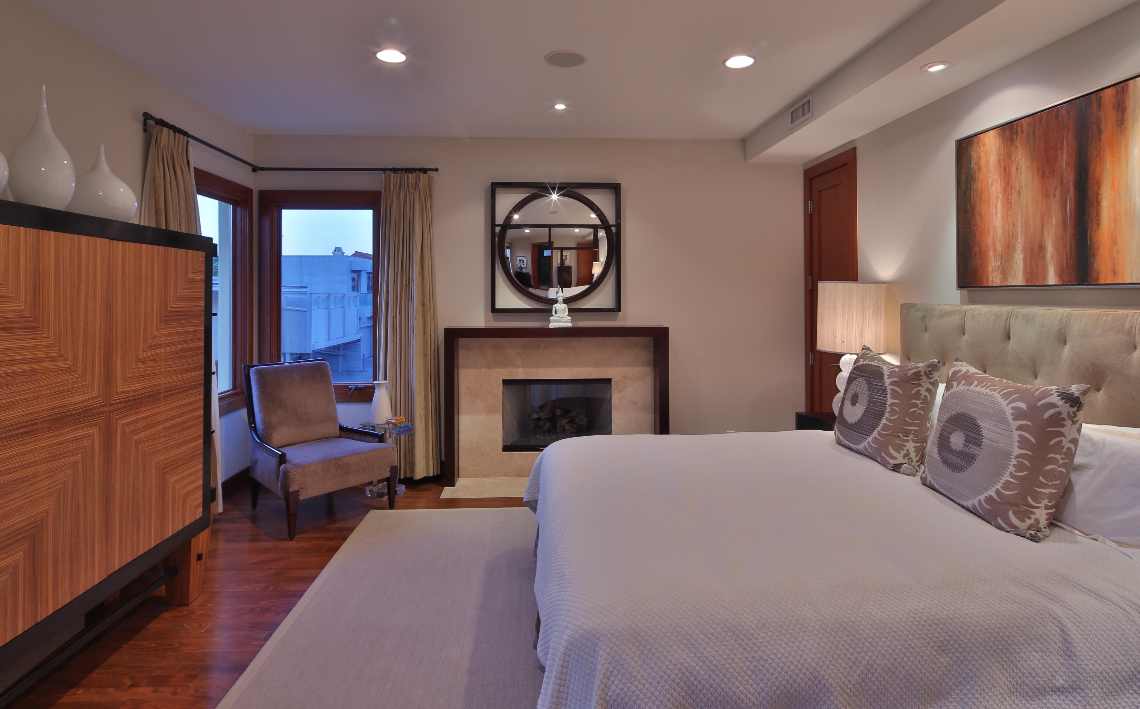 Mike D'Antoni exits Manhattan Beach - master bedroom