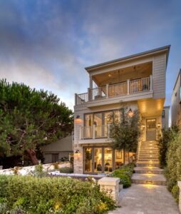 White Sands Design and Build crafts a traditional home with a perfect balance of au courant coastal elements.