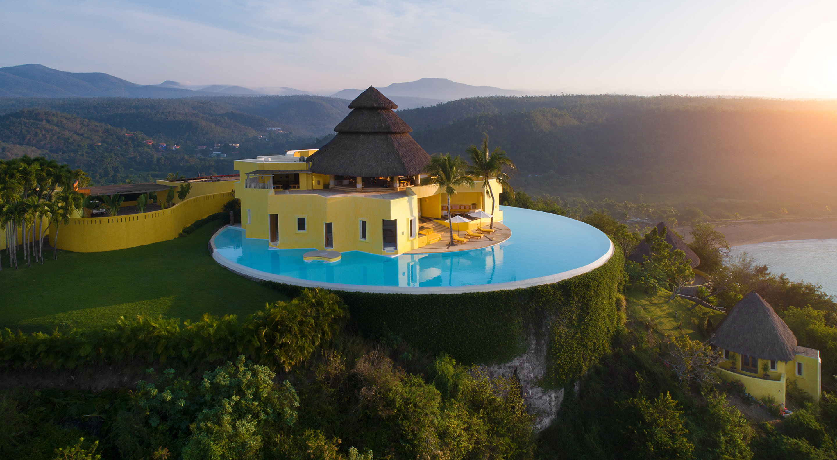Sol Oreinte with view of infinity pool