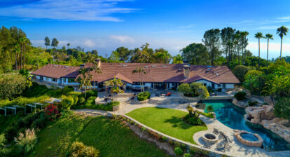 A Rolling Hills estate with Views Of Life At The Top