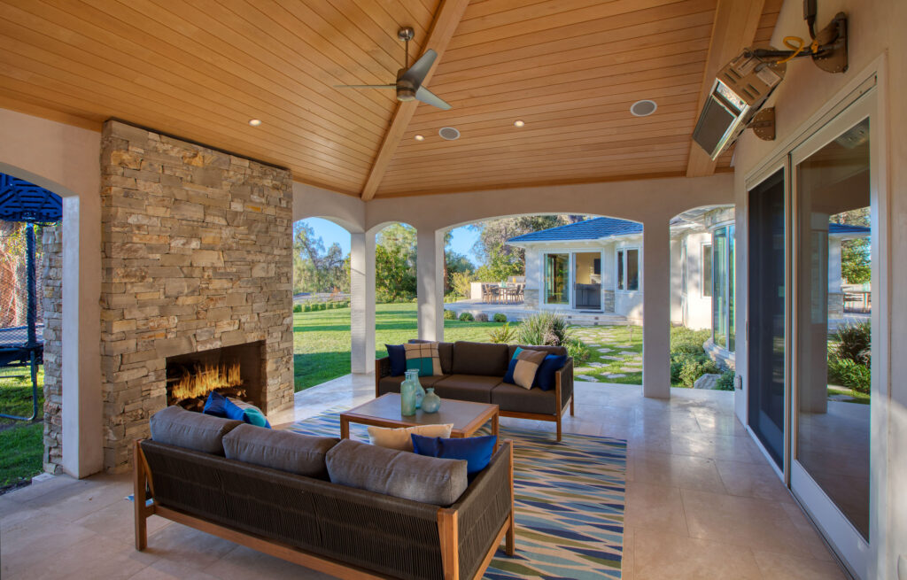 A Custom Rolling Hills Estates Is The Perfect Balance