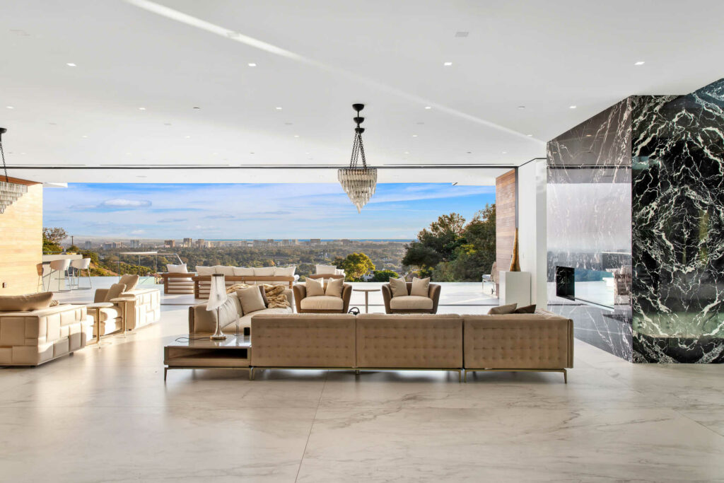 Luxury homes for sale in Los Angeles - DIGS