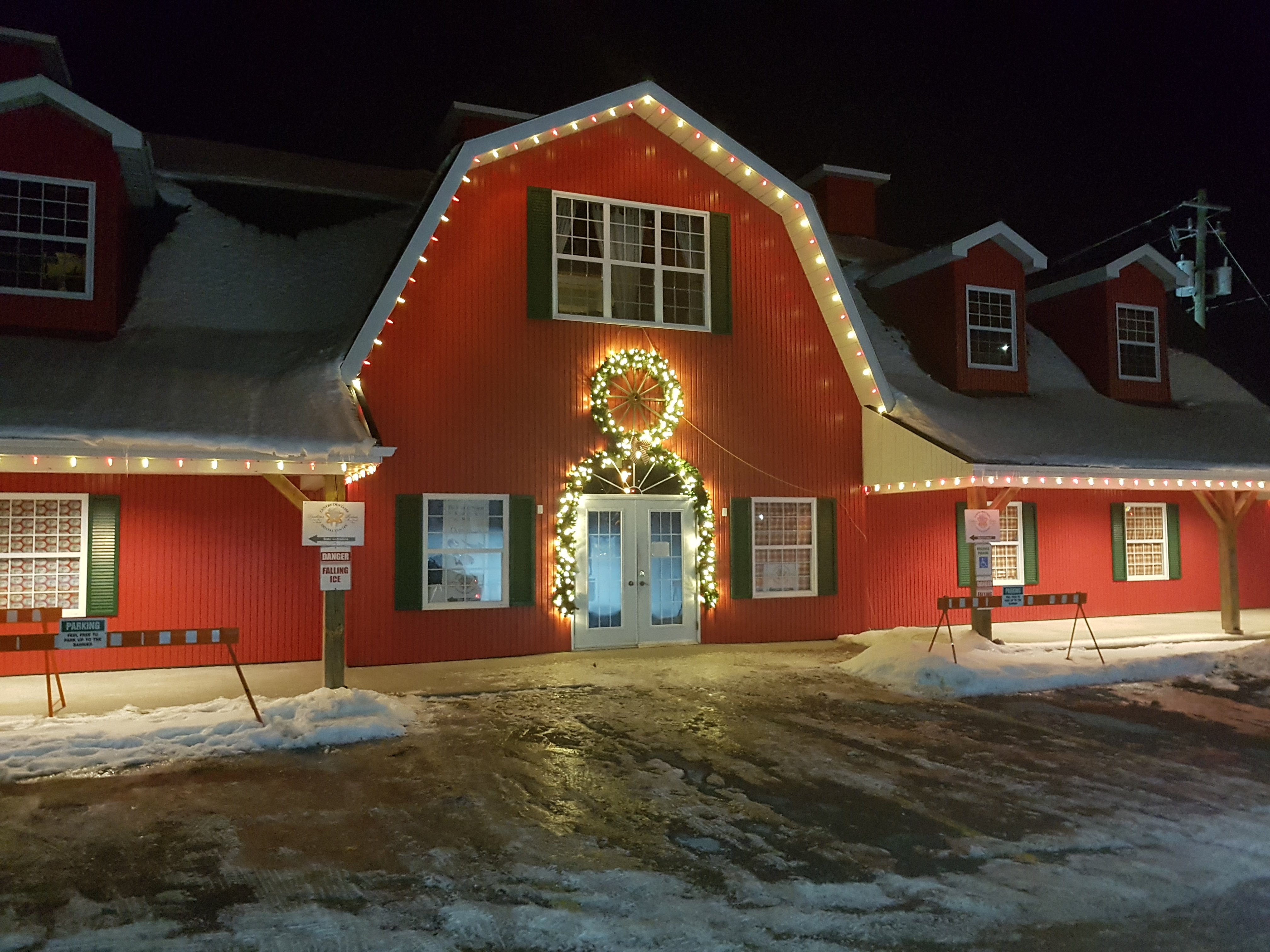 red_barn_commercial_lights