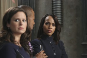 """""""Scandal"""" star Kerry Washington, right, with Katie Lowes and Columbus Short in this season's second episode, """"Guess Who's Coming to Dinner."""""""