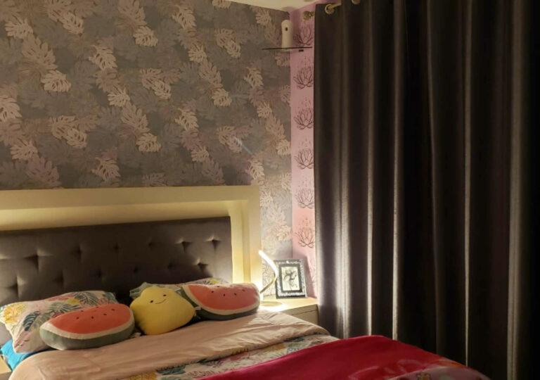 papel tapiz y cortinas