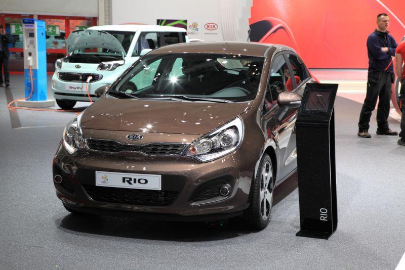2015 Kia Rio - $13,990
