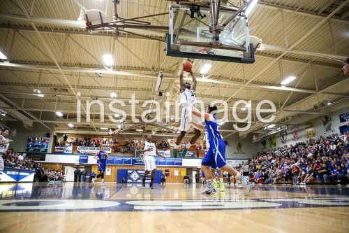 130216_Hug_instaimage_Boys Basketball_Dunk3