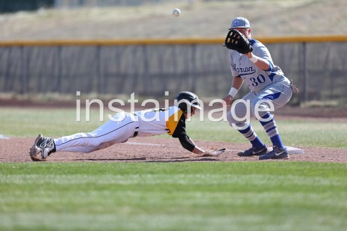 130326_Galena_instaimage_Baseball_dive to first