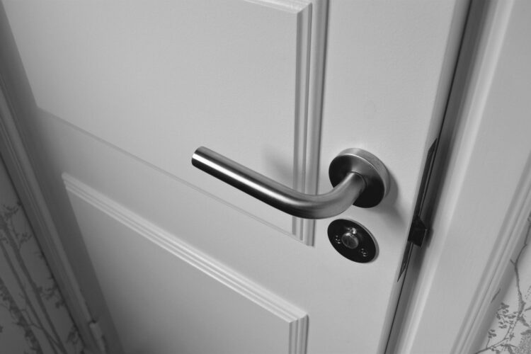Tips to find a good locksmith
