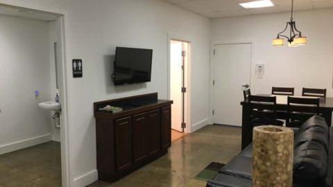 recent-studio-pics-08-greenroom