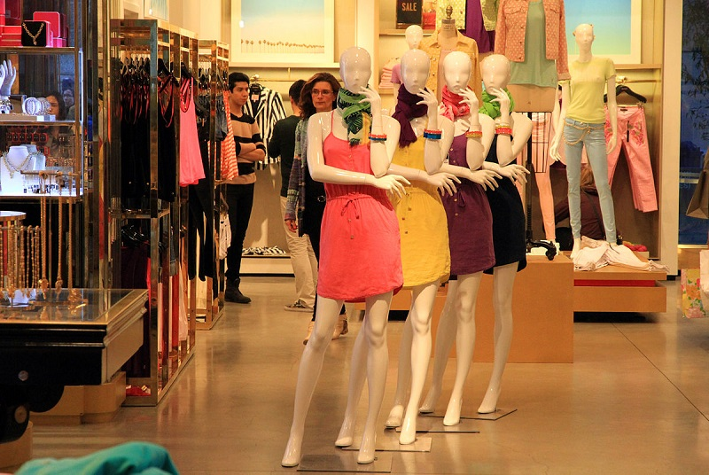 How to Engage All Five Senses with Visual Merchandising