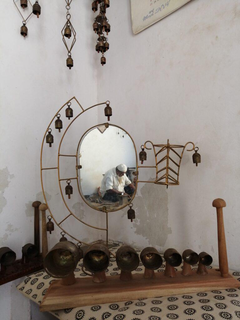 Copper Bells, Nirona