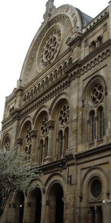 The Great Synagogue of Paris (la Victoire) is the largest in France and built on the Romanesque style.
