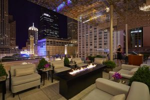 Z bar at Peninsula Chicago (Photo by Neil John Burger)