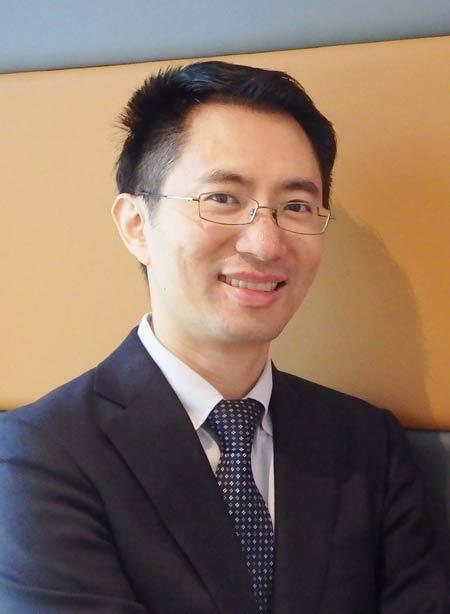 Dr Bobby Yang, oral & maxillofacial surgeon at Wood St Specialists Newcastle