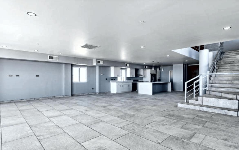 Elegant Oceanfront Home Great Room 2